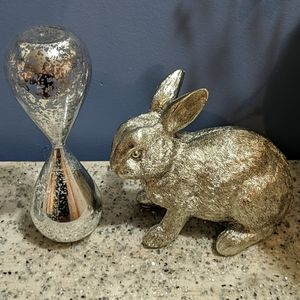 Reloj de tiempo y conejo decorativo